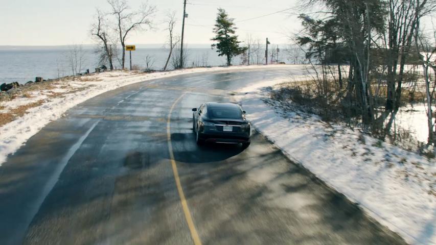 Tesla: AWD